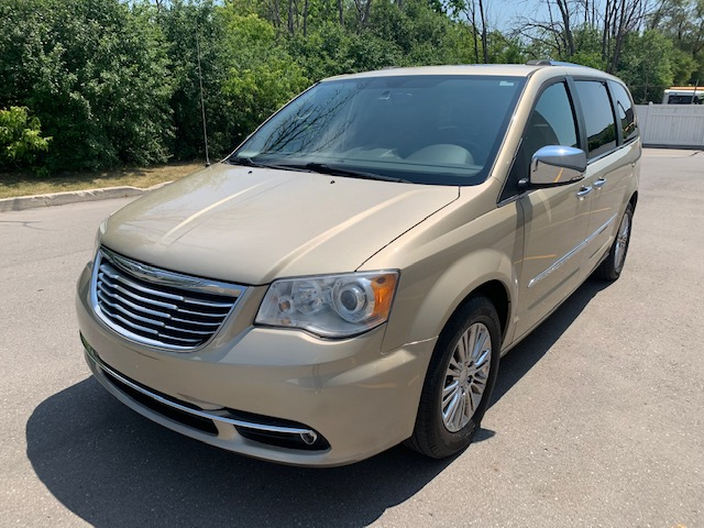 2011-Chrysler-Town-Country-Limited-Minivan-Van
